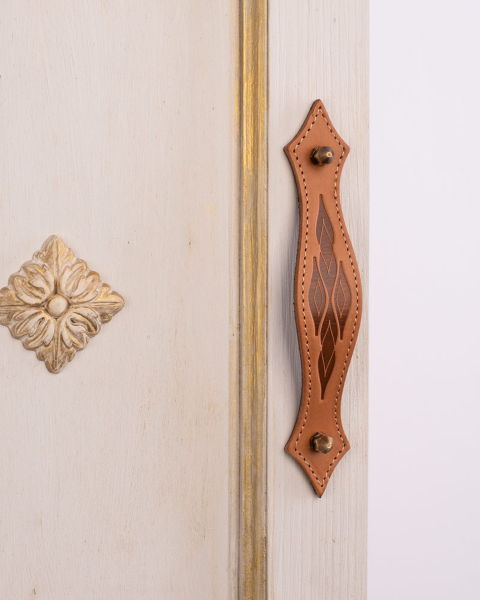 KUPID Leaves Motif Leather Handle With 2 Hexagonal Antique Brass Screws and Stiches